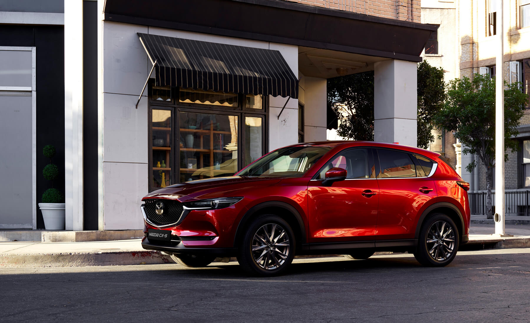 https://dealerweb.mazda.ch/wp-content/uploads/2019/08/ch_home_slider_05.jpg
