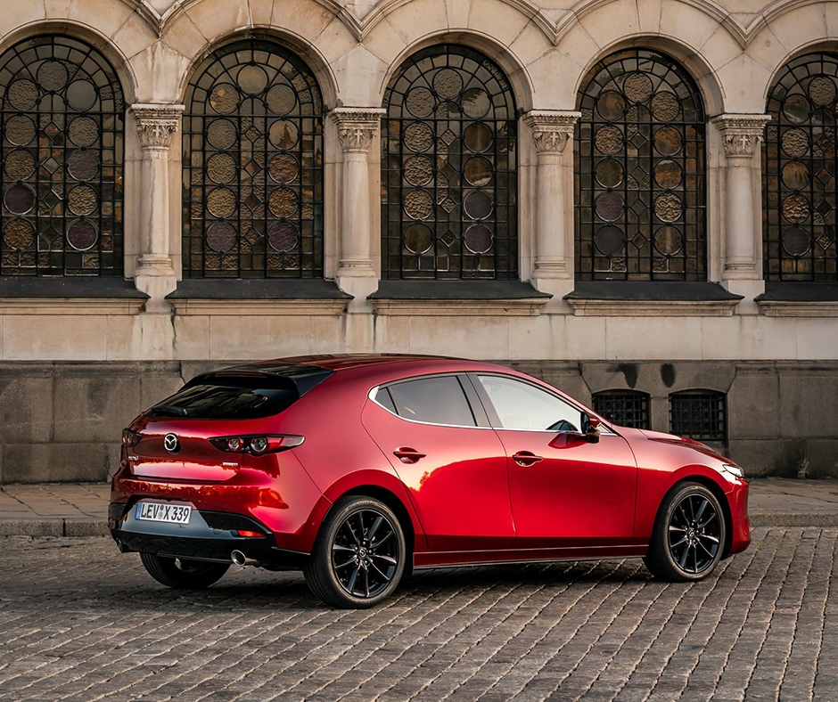 https://dealerweb.mazda.ch/wp-content/uploads/2019/10/2019_M3_SOM_MazdaTravels-Autumn_FB_11.jpg